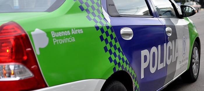 CNEL VIDAL: Un sujeto amenazó a una  mujer con un fierro y luego quiso agredir a la policía