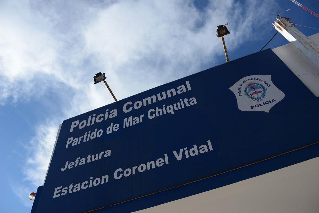 La policía de Coronel Vidal encontró a un menor que deambulaba por la autovía 2