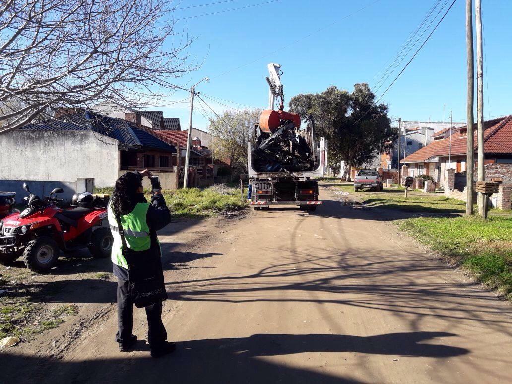 TRÁNSITO STA CLARA: 35 Multas, 12 secuestros  y21 Vehículos abandonados retirados de la vía pública