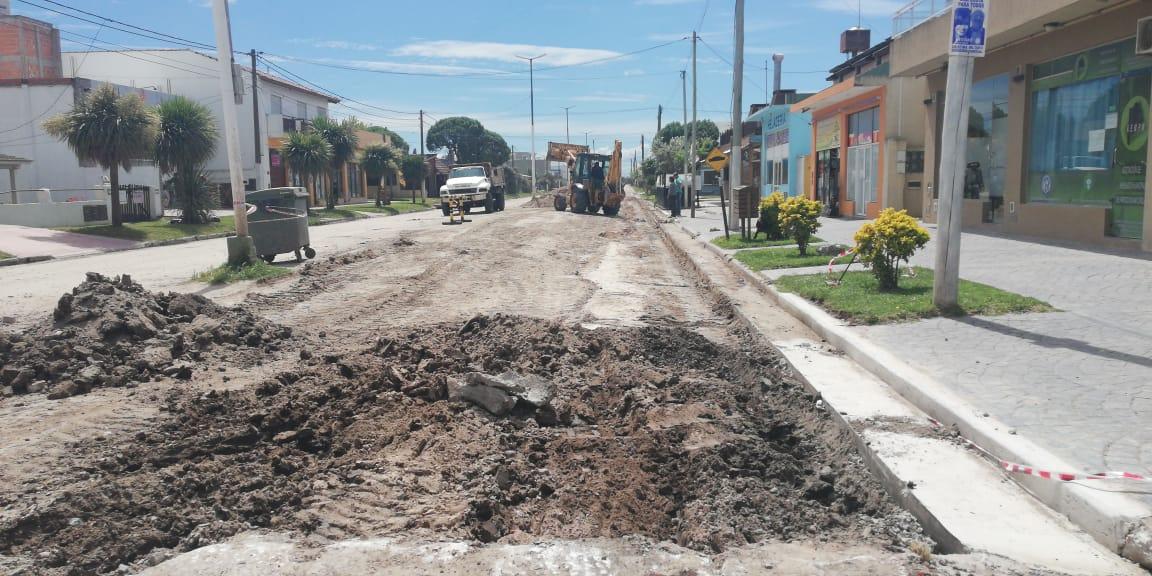 Inició la obra de asfaltado en Acapulco entre Montecarlo y El Paso