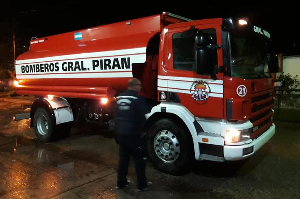 Los Bomberos de General Piran adquirieron un nuevo camión Scania con cisterna