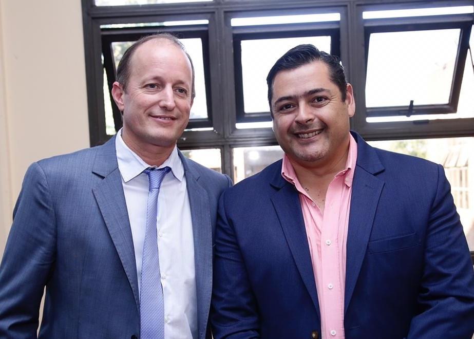 Marcelo Sosa junto a Martín Insaurralde en Seminario Municipal
