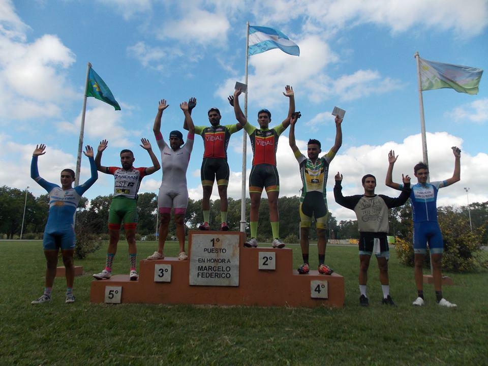 El ciclista vidalense Ezequiel Charri se trajo un primer puesto de Tandil en la Cateogira Master A, Sub 23 Elite