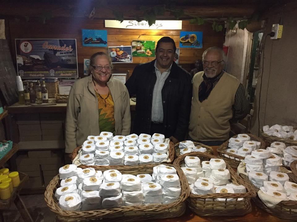 Marcelo visito la fabrica de Alfajores Armandine