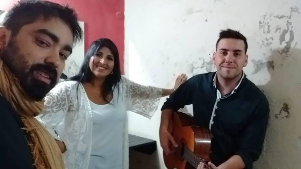 Mili González obtuvo un valioso 2do puesto en el certamen de canto en Ayacucho