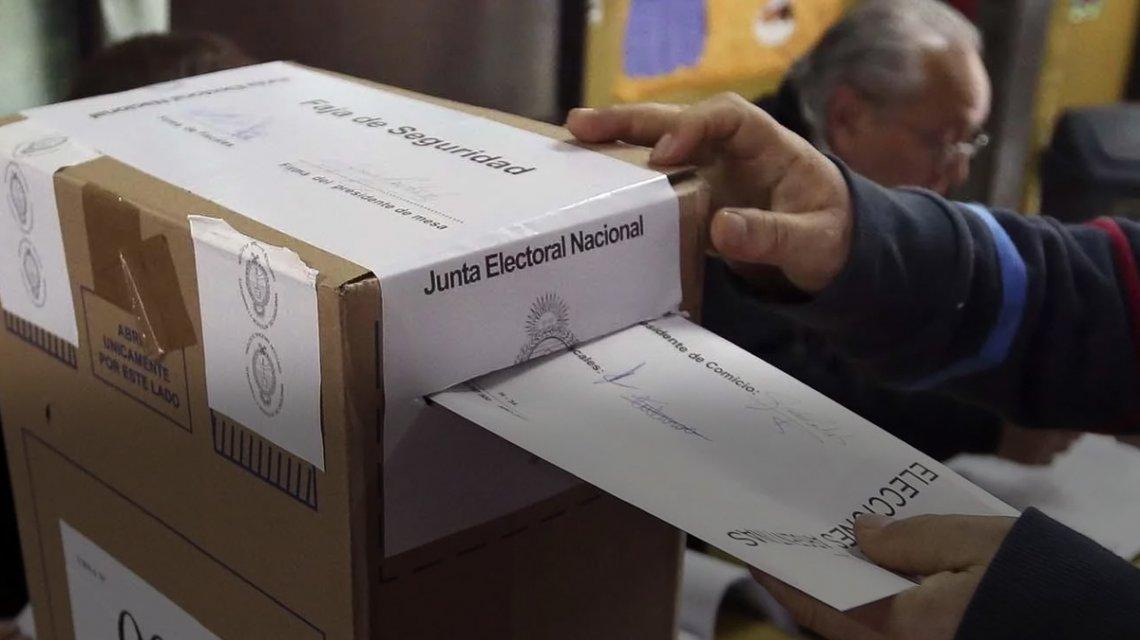 En Mar Chiquita hay un pre candidato a intendente cada 2000 votantes, y la cifra podría aumentar