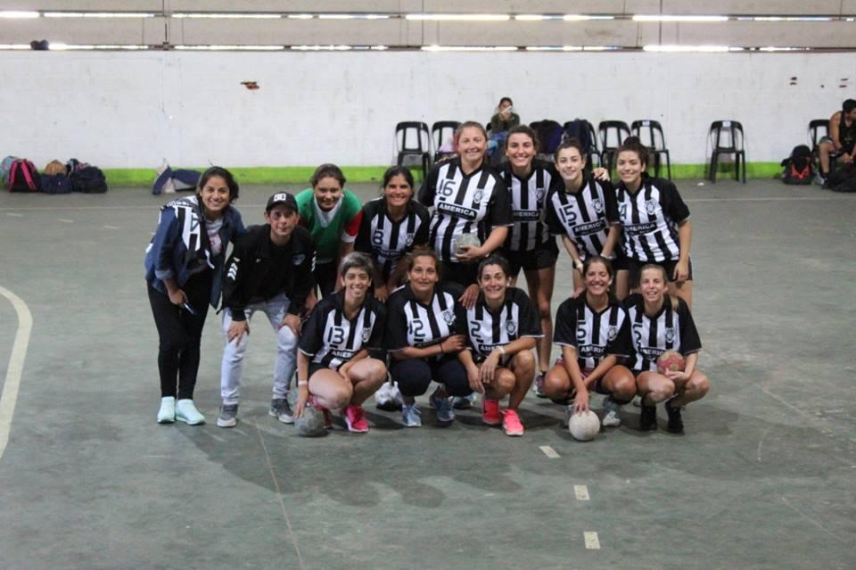 El equipo femenino de handball dio cátedra en Dolores
