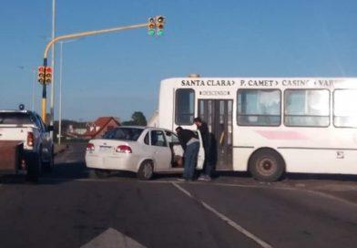 STA ELENA: Una unidad del 221 y un taxi geselino colisionaron en la R.P. 11