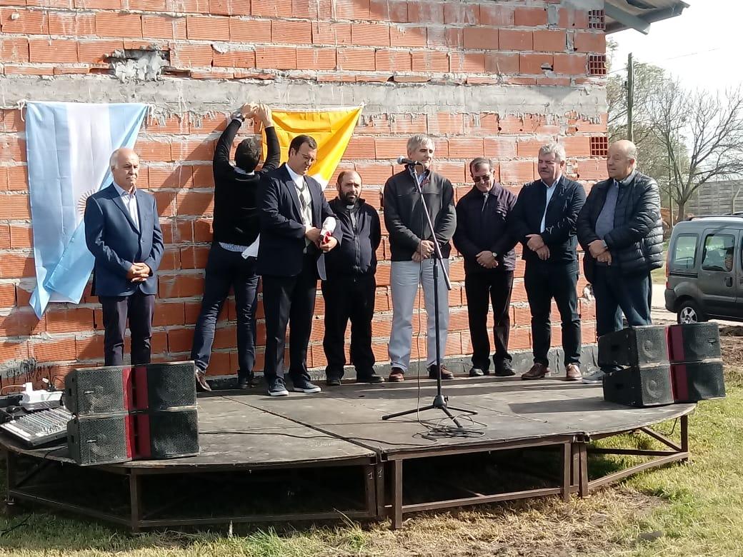 Paredi participó de la inauguración del Barrio «Teresa de Calcuta» y compartió acto con Ronda en medio del clima electoral