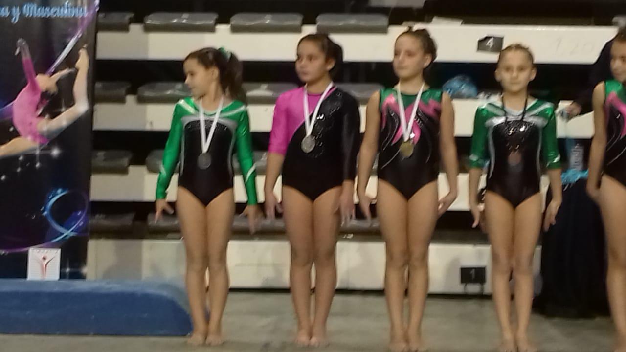 Las niñas gimnastas que dirige Elisa Rusconi, participaron del Provincial de Clubes en Mar del Plata con excelentes resultados