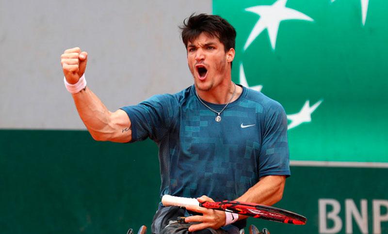 Gustavo Fernández se coronó campeón en singles y dobles de Roland Garros en tenis adaptado