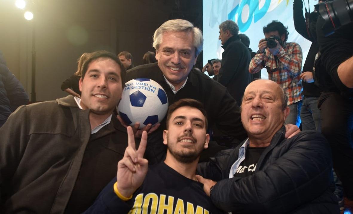 Paredi dijo presente en el acto de Fernandez y Kicillof y dejó su marca de campaña