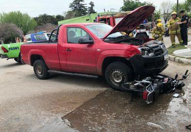 GRAL PIRAN: Dos heridos tras colisión entre una camioneta y una motocicleta