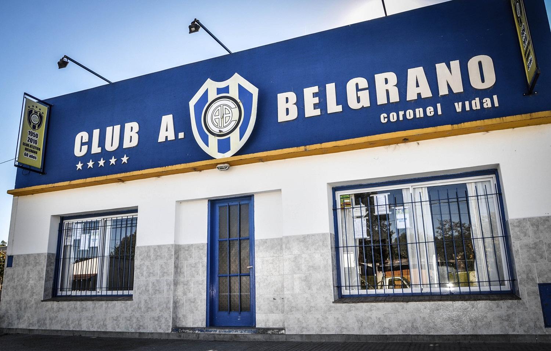 El Club Belgrano en forma de gratitud por la donación de alcohol rebajado, publicitará a Restinga en su camiseta