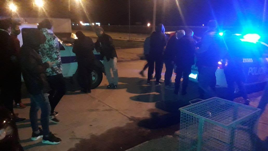 CNEL VIDAL: La policía desarticuló una fiesta con más de 15 personas