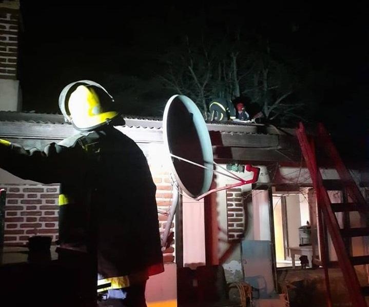 CNEL VIDAL: Esta madrugada, los bomberos acudieron al campo a un llamado de emergencia
