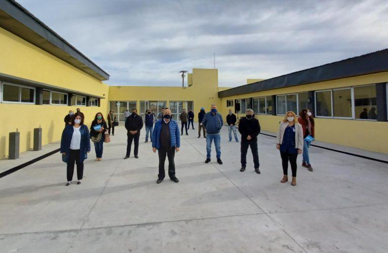 En el Día del Maestro, Jorge Paredi entregó las llaves de la Escuela Primaria N°30 del Partido de Mar Chiquita