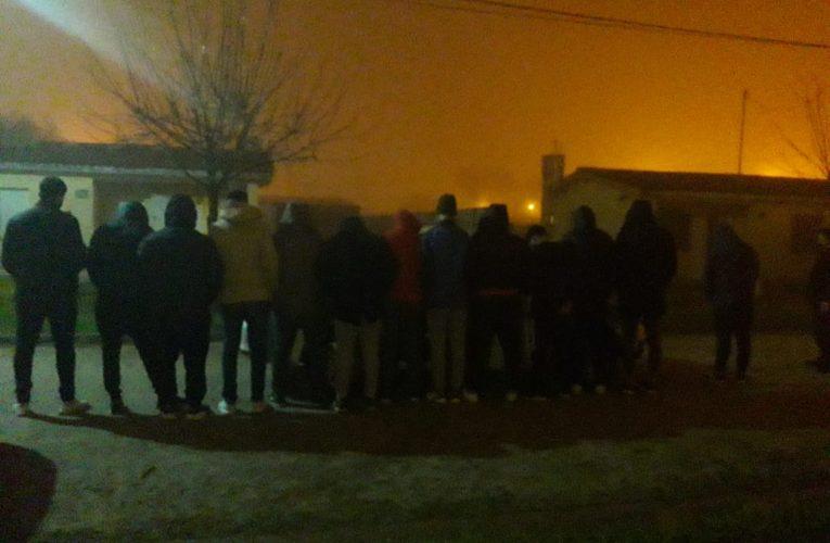 """CNEL VIDAL: 13 jóvenes armaron una """"fiesta"""" en una casa del Barrio Plan Federal"""