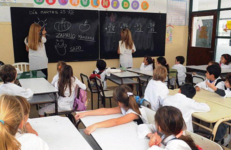 Escuela primaria: Los alumnos bonaerenses pasarán de grado