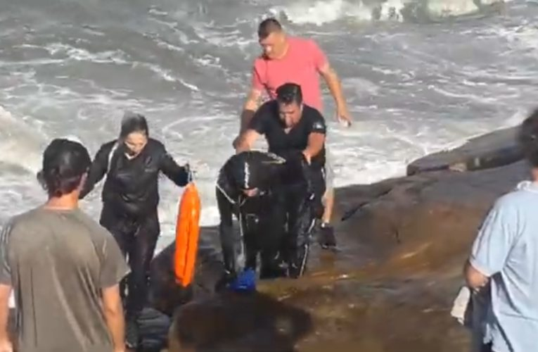 Un policía vidalense y su compañera rescataron heroicamente a un nadador que no podía salir del agua en Mar del Plata