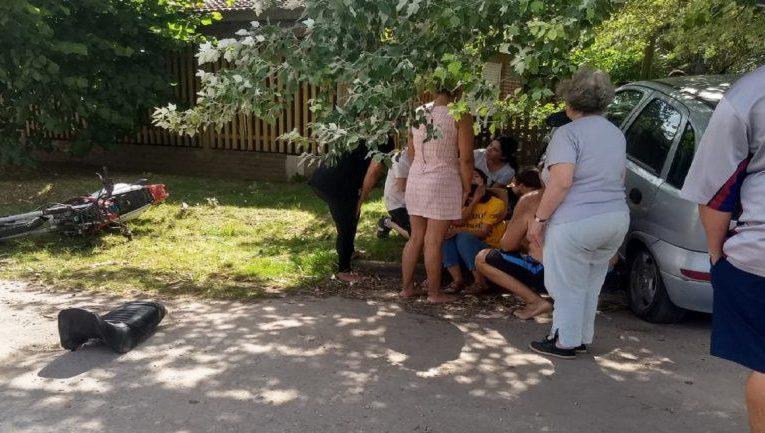 STA CLARA: Una mujer con Covid rompió el aislamiento, salió en auto y chocó contra una moto