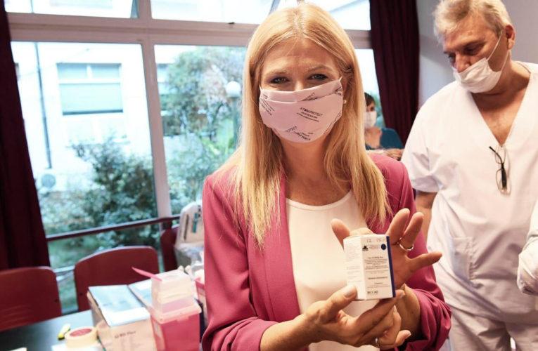 Magario: «El operativo de vacunación funcionó de forma maravillosa en todos los hospitales»