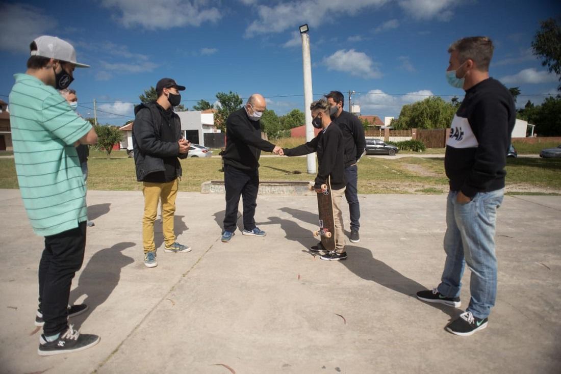Jorge Paredi anunció la creación de la Escuela Municipal de Skate en Santa Clara del Mar