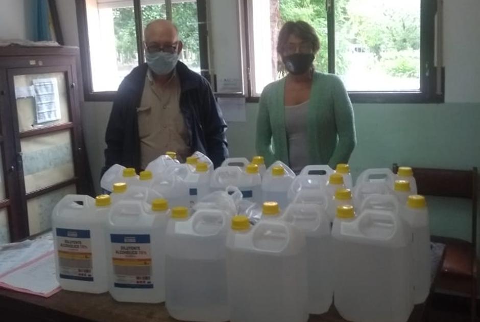 """La Sociedad Rural de Mar Chiquita donó material sanitizante al colegio """"Don Bosco"""" y a """"La Nica"""""""