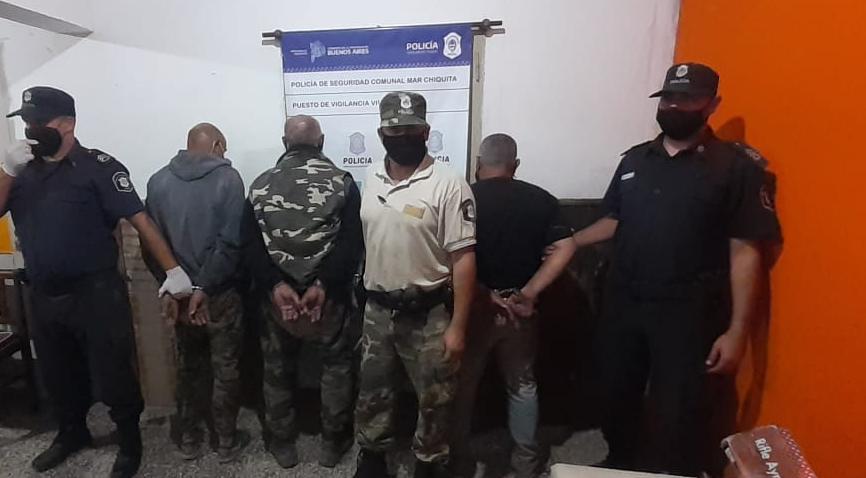 VIVORATÁ: Con armas, municiones y una camioneta con numeración adulterada, detuvieron a tres cazadores furtivos