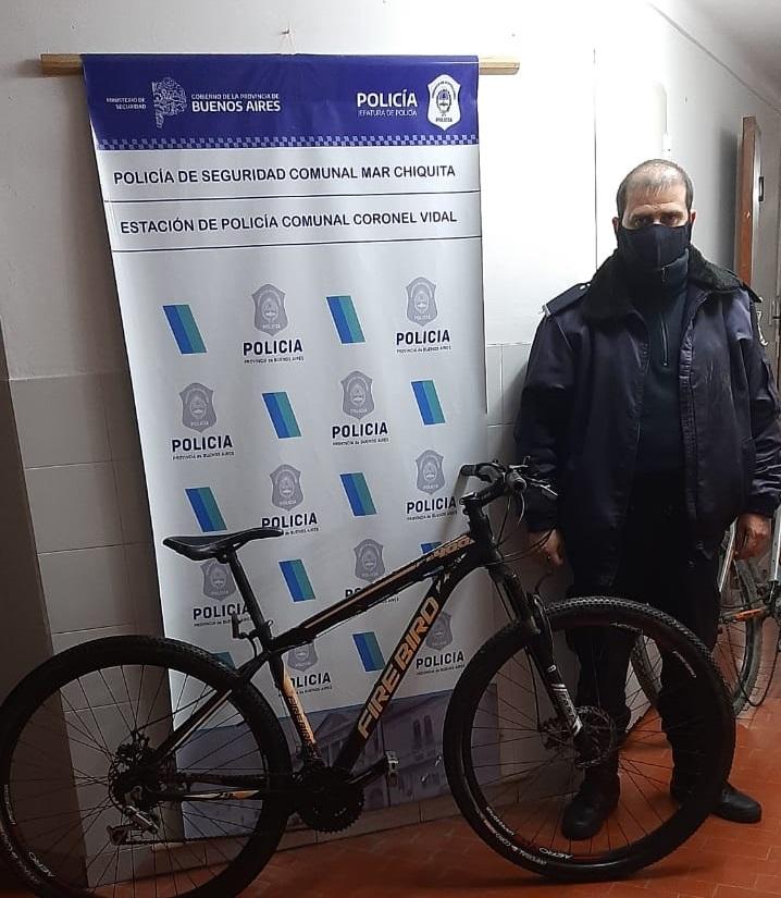 CORONEL VIDAL: Entró en una casa y se llevó dos bicicletas