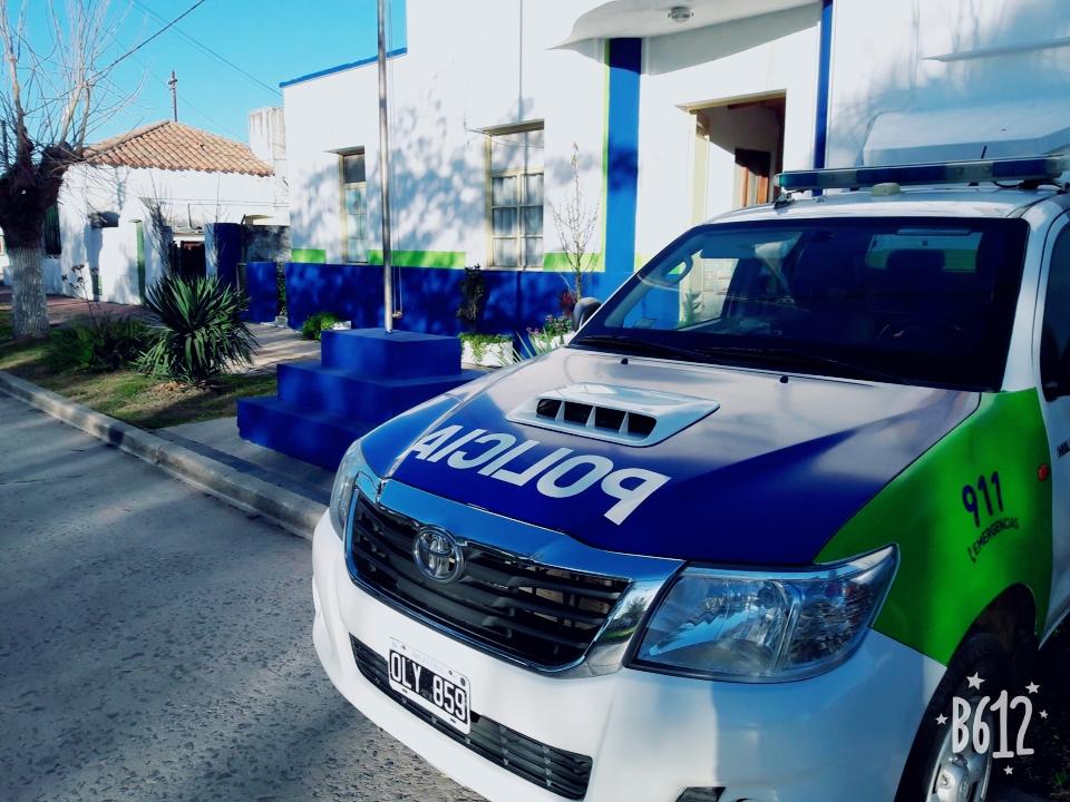 GRAL PIRAN:  Robaron un auto y a menos de 100 metros fueron interceptados por la policía