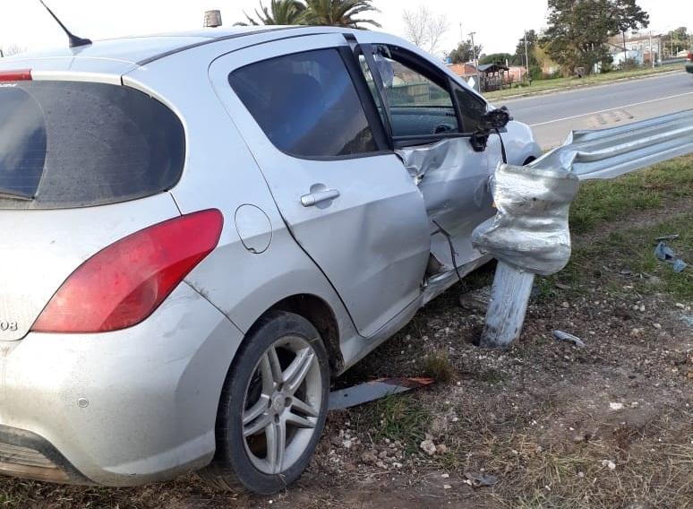 Dos personas se accidentaron en un auto oficial del municipio de Mar Chiquita