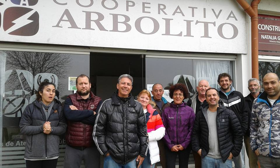 Representantes de la Cooperativa Arbolito tuvieron una fructífera reunión con abonados de la Costa Norte