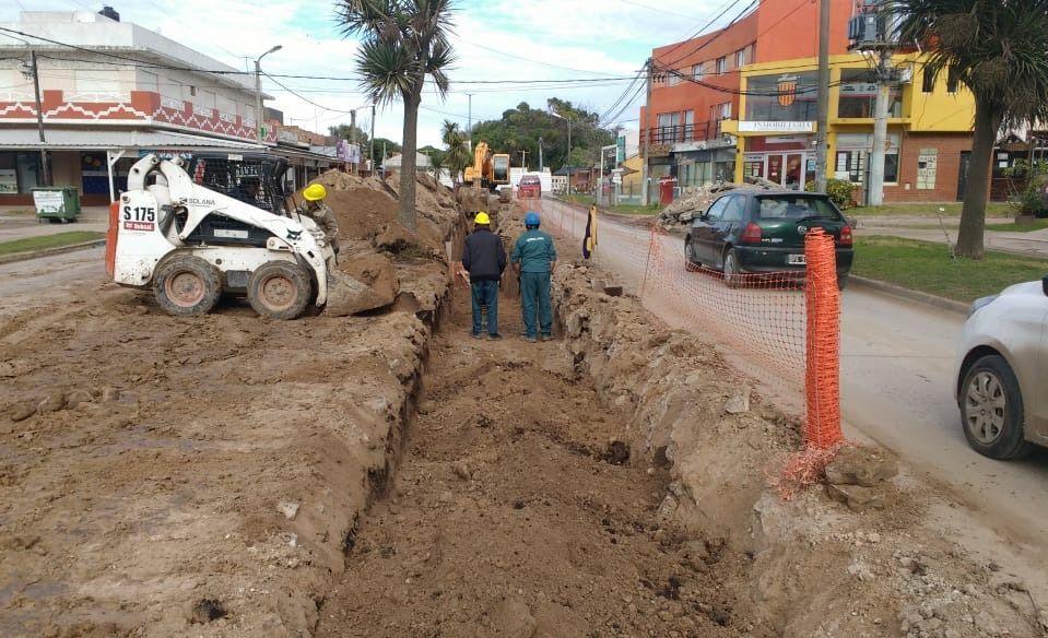 Los comerciantes de Acapulco plantearon que están contentos con la obra, pero quieren aceleración en la ejecución