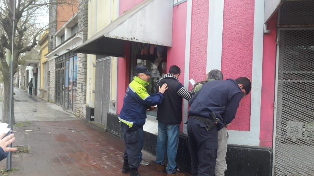 CNEL VIDAL: Detienen a un sujeto con actitud sospechosa frente al Banco Provincia