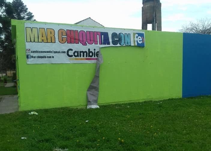 El partido Fe inauguró un local en Santa Clara y el mismo día le rompieron la cartelería