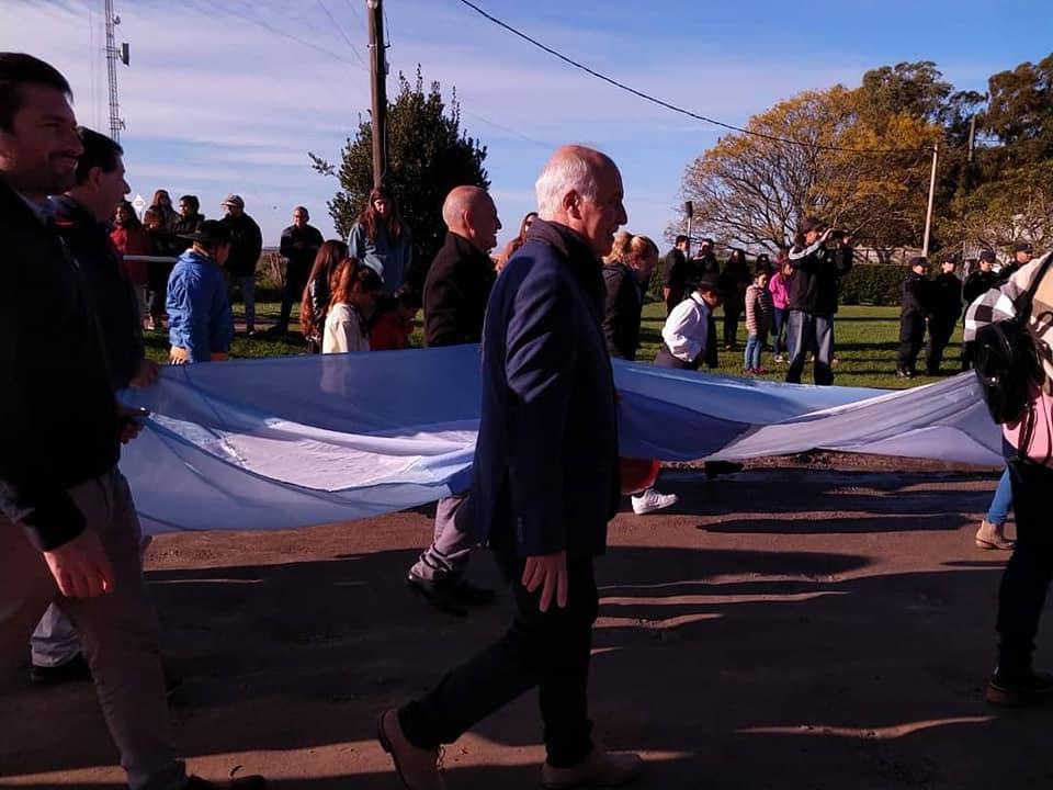 Ronda encabezó el acto oficial por el Día de la Bandera en Vivoratá