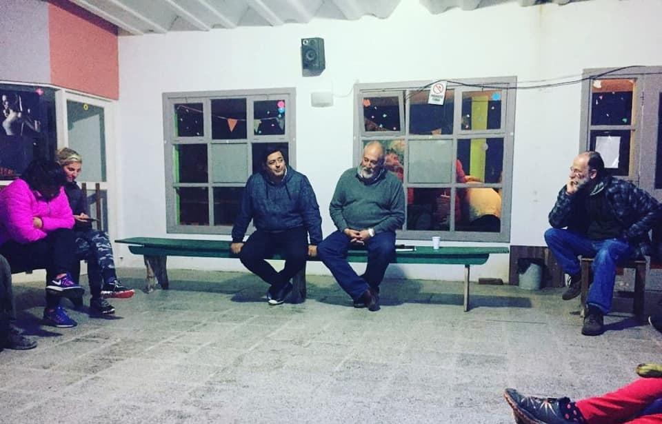 Marcelo Sosa charló con vecinos de la Costa Norte en la Sociedad de Fomento de B.P. Mar Chiquita