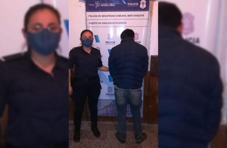 VIVORATÁ: Violó una orden de restricción, amenazó con incendiarle la casa a un efectivo policial y rompió un móvil
