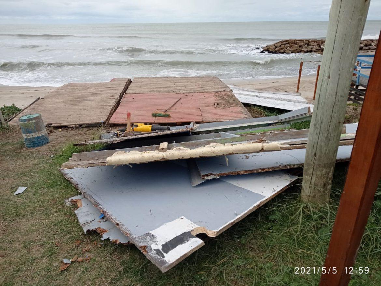 STA CLARA: Guardavidas de UGAM desarmaron por completo un mangrullo municipal en la playa