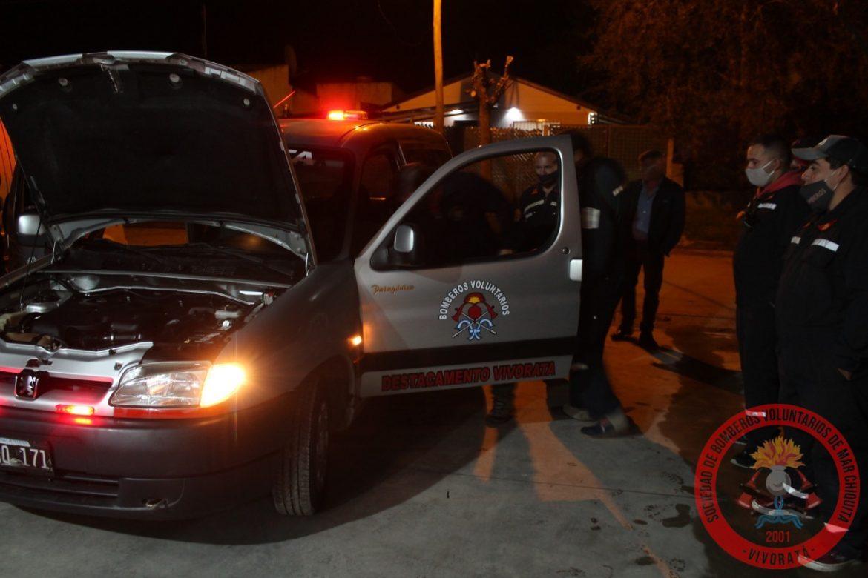 Bomberos restauró una camioneta para el cuartel de Vivoratá