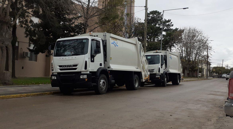 El municipio adquirió con fondos propios dos camiones recolectores 0Km, uno para el mediterráneo y otro para la costa