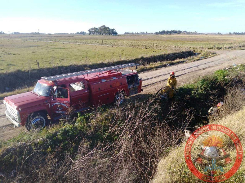 Los bomberos de Coronel Vidal debieron intervenir en el basural por un incendio