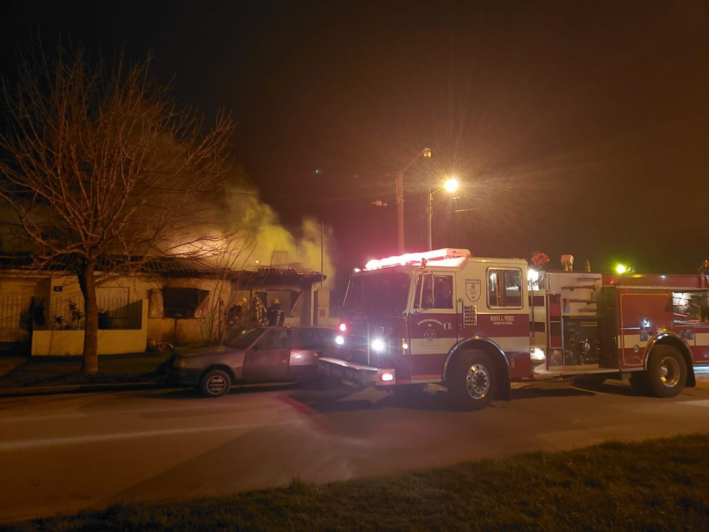 Un incendio de magnitud destruyó una vivienda del barrio Plan Federal 1 en Coronel Vidal